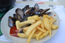 French fries with clams