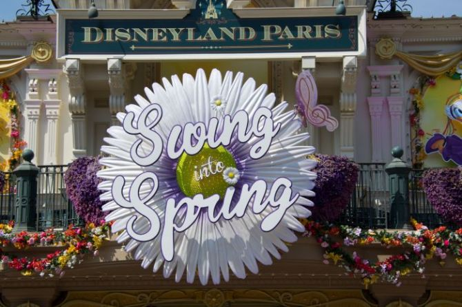 Disneyland Paris: Swing into Spring